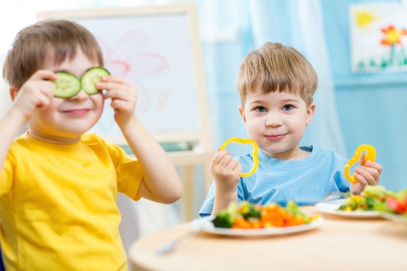 Trẻ biếng ăn phải làm sao để con hay ăn chóng lớn như Tháng Gióng